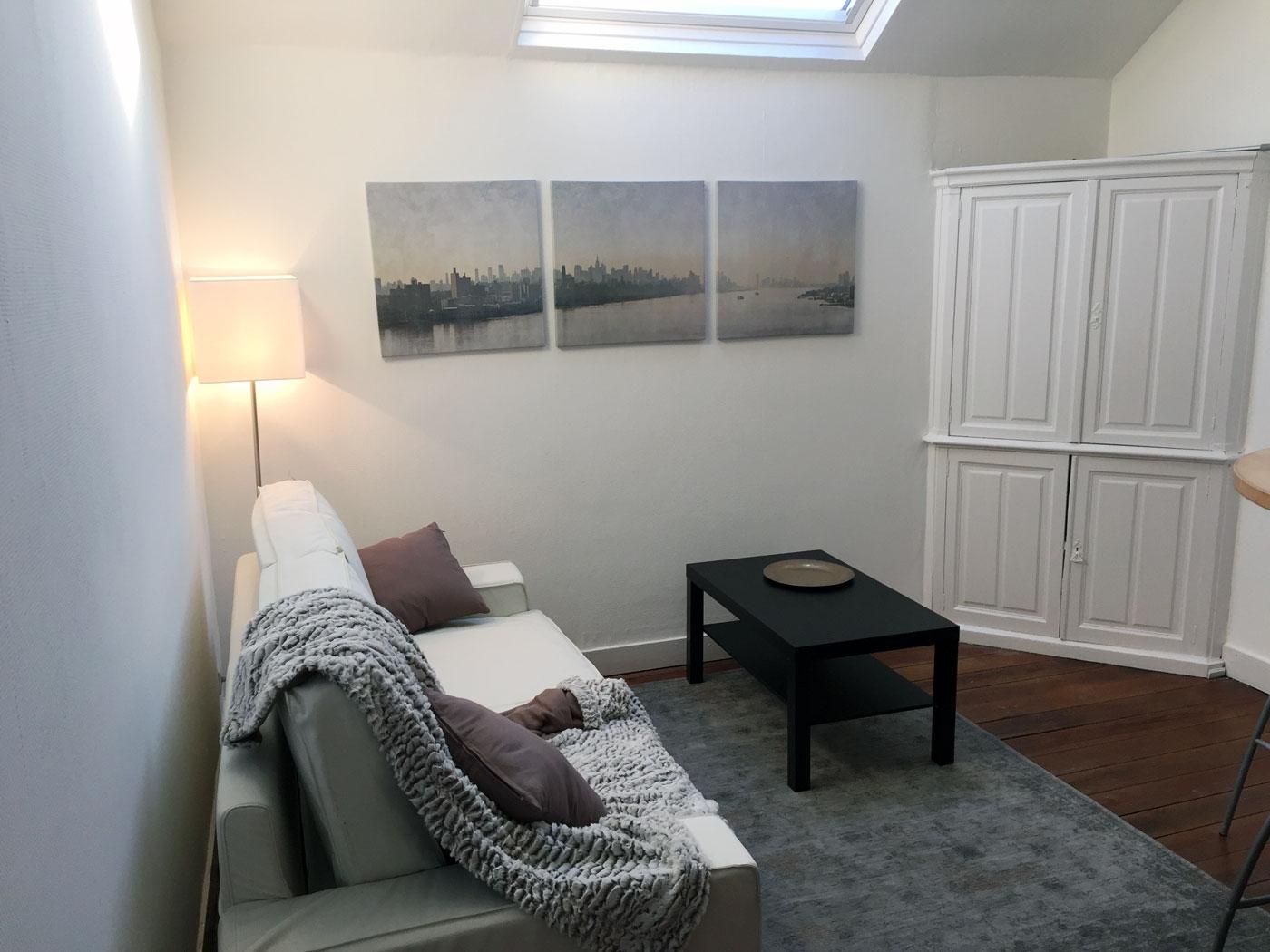 appartement louer li ge meubl location appartement pour 4 personnes. Black Bedroom Furniture Sets. Home Design Ideas